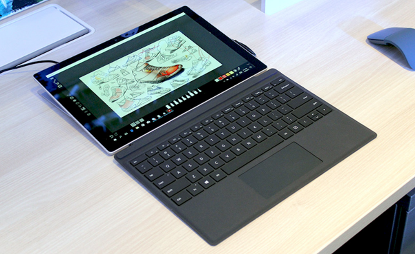 Microsoft Surface Go Tablet at $399: What's Feature , Apple's Cheapest iPad