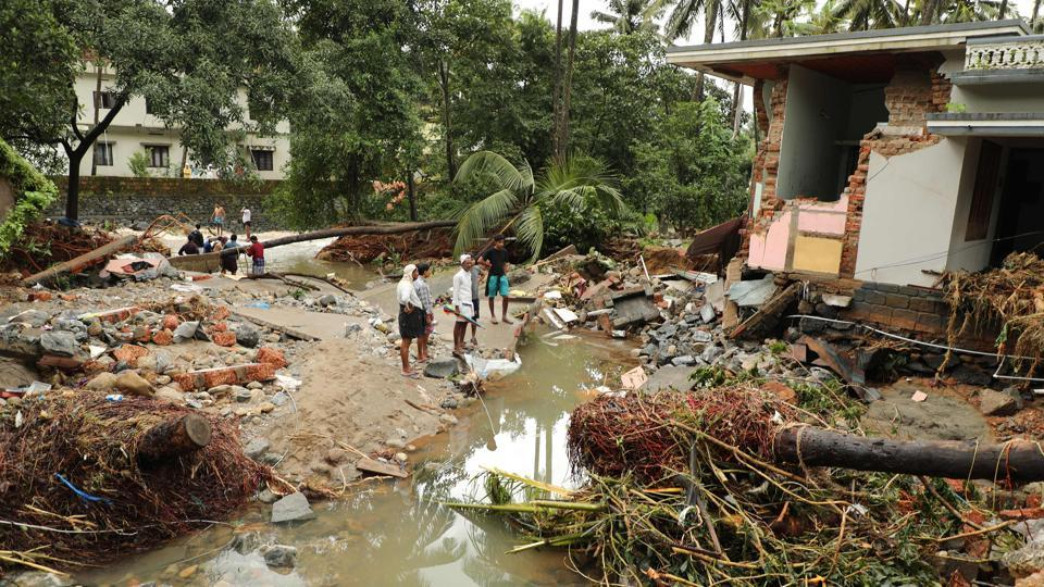 Kerala floods, 33 dams opened Cochin and Airport Shut for 4 days