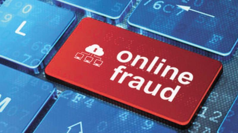 Online Fraud: Man loses Rs 4 lakh to Fake customer of food delivery platform
