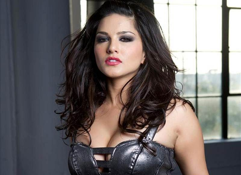 Sunny Leone's Instagram Video About Workplace Sexual Harassment Is TOTALLY On Point