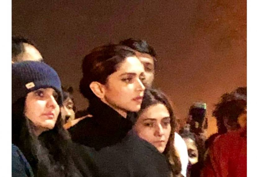 Deepika Padukone Comes Out In The Support Of JNU Students during the protest