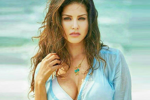 Daniel Weber thought Sunny Leone was a lesbian first time they met